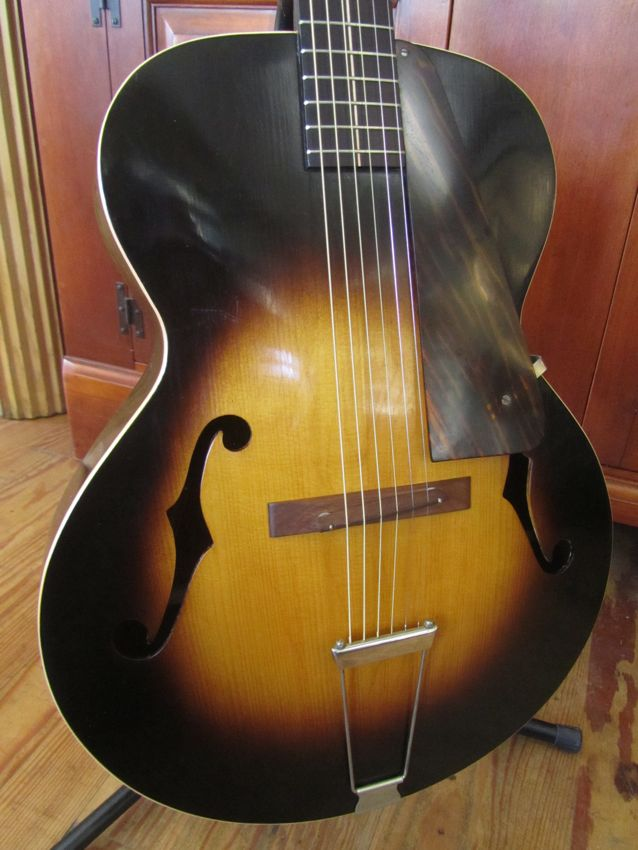 Archtop Cromwell 1935 ( Gretsch and Brenner inc). Crow210