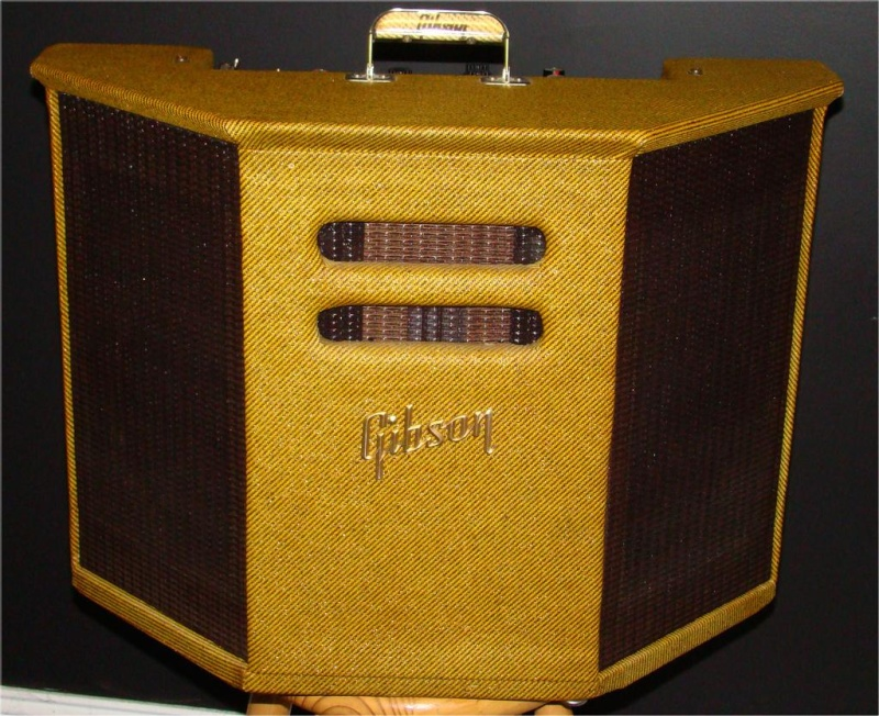 Very cool amp guitar............ Gibson10