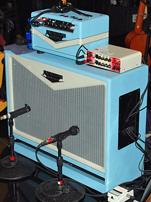 Very cool amp guitar............ Mcinto10