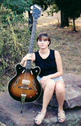 Gretsch bass 6070....... Rachel10