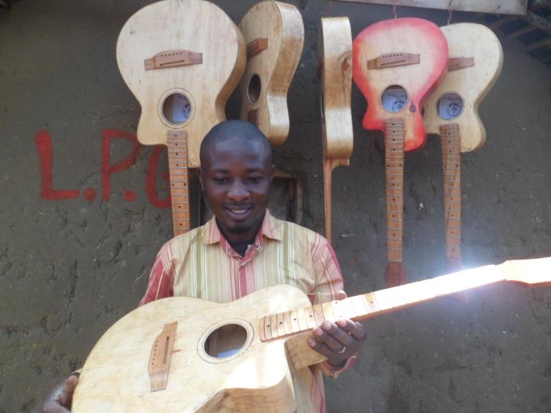 ....L.P.G ...Guitare ...... Sam_0810