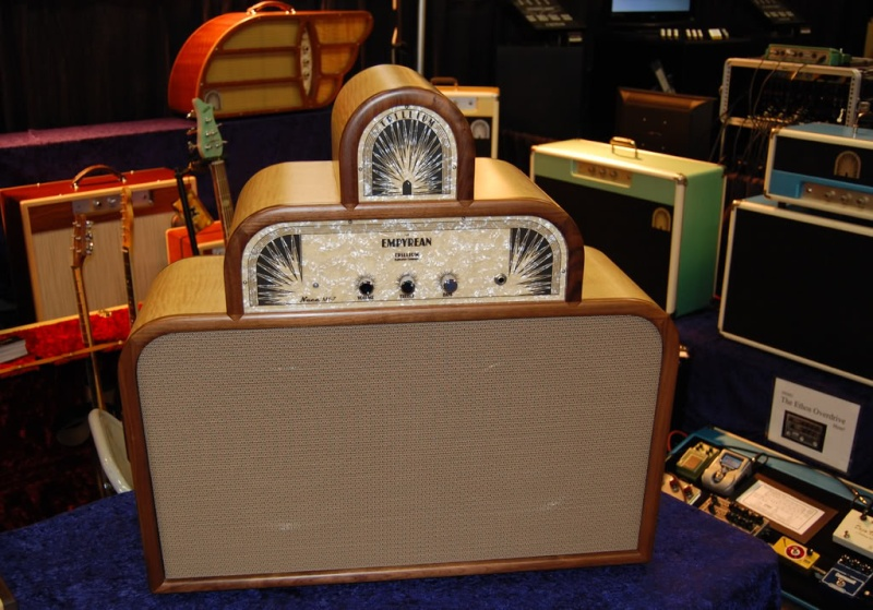Very cool amp guitar............ Trilli10