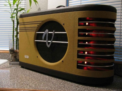 Very cool amp guitar............ Va-16910