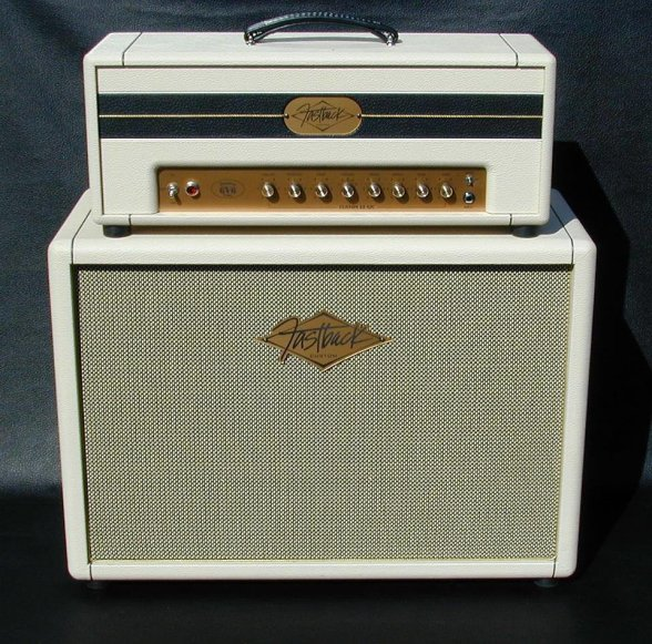 Very cool amp guitar............ Zcpz7r10