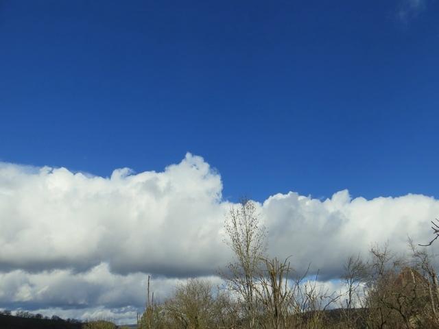 37 - Les nuages Img_1410