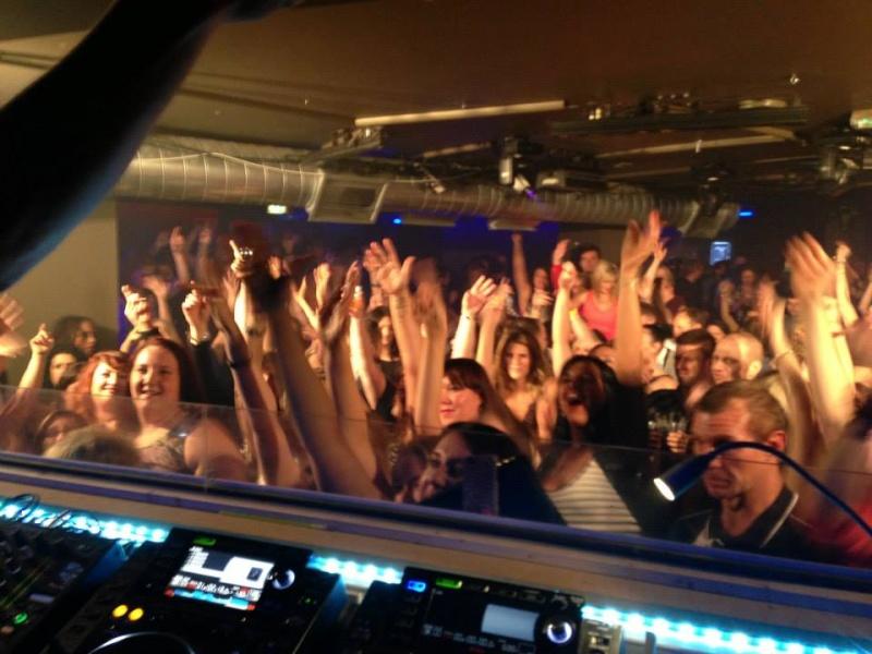 Howard au Vénus club à Manchester 11/10/13 13944310