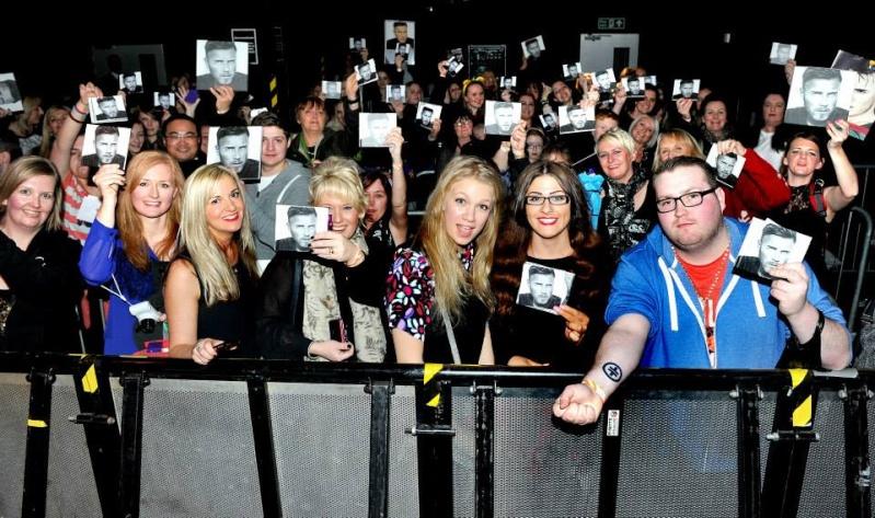Gary au HMV de Manchester 28/11/2013 14599310