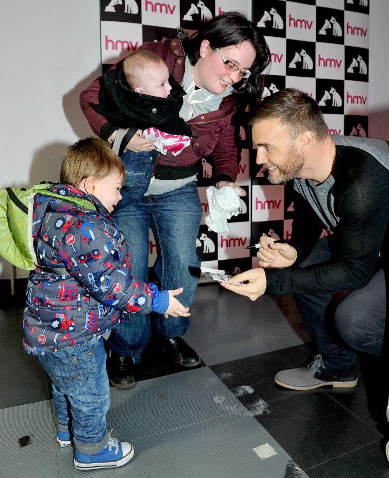 Gary au HMV de Manchester 28/11/2013 14719910
