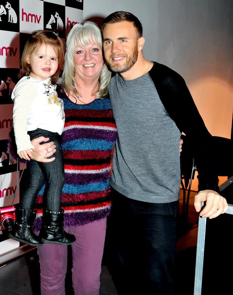 Gary au HMV de Manchester 28/11/2013 14758510
