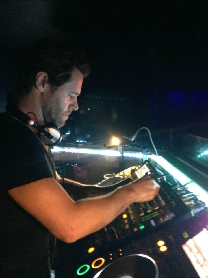 Howard au Vénus club à Manchester 11/10/13 55131612
