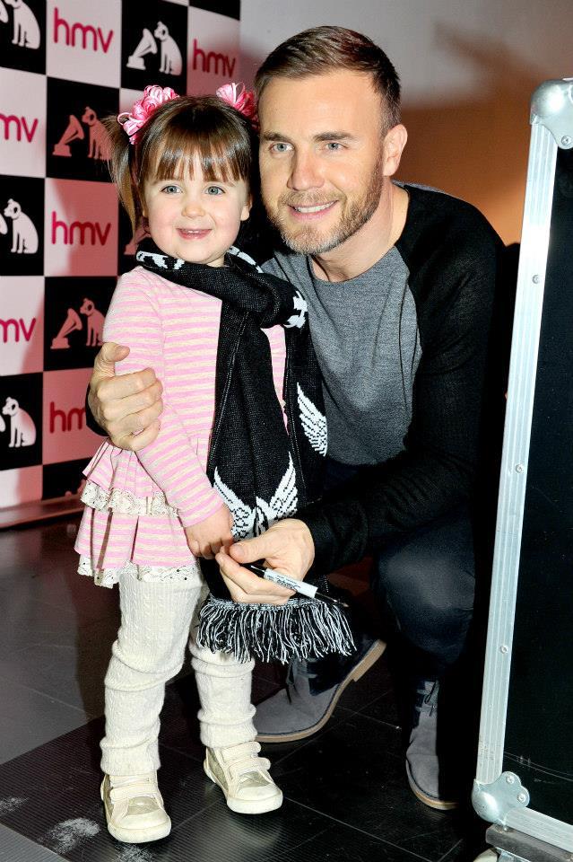 Gary au HMV de Manchester 28/11/2013 99978410