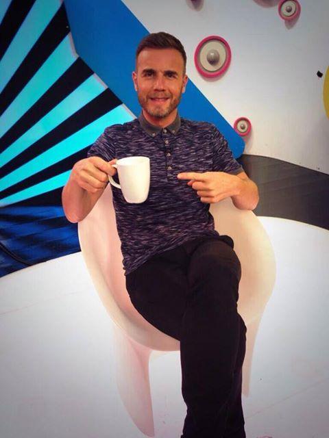 Gary dans les studios d'MTV 23/10/13 Gaz10