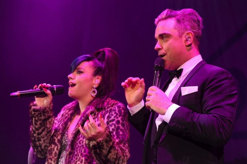 Robbie et Lily Allen concert de charité 19/12/2013 Lily-a12