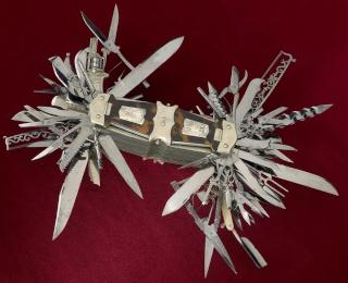 La mère du couteau Suisse John-s10