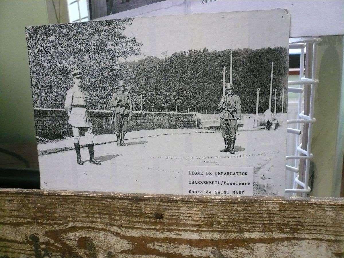 Sortie classe de 1ère S Lycée de Fouesnant à Chasseneuil sur Bonnieure (16) et Village martyr Oradour/Glane (87) 1814