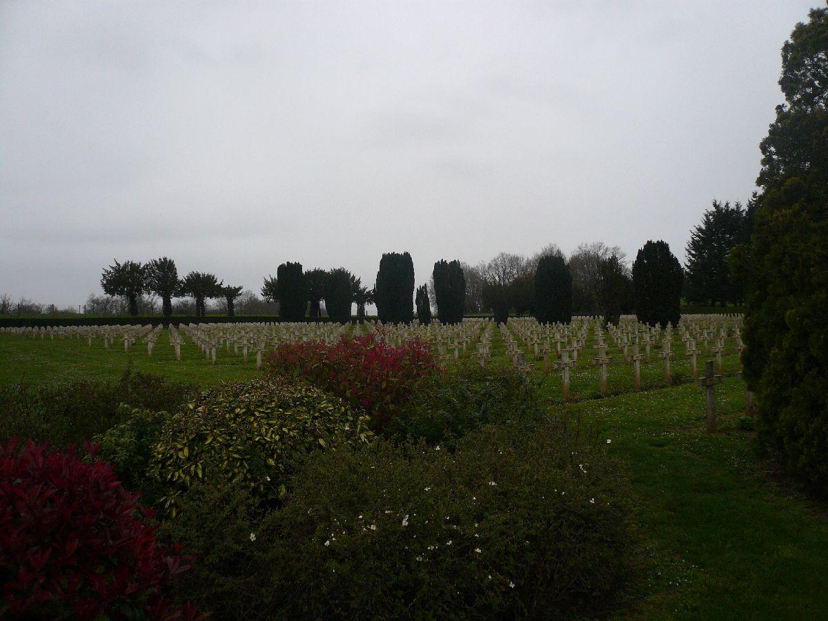 Sortie classe de 1ère S Lycée de Fouesnant à Chasseneuil sur Bonnieure (16) et Village martyr Oradour/Glane (87) 2510