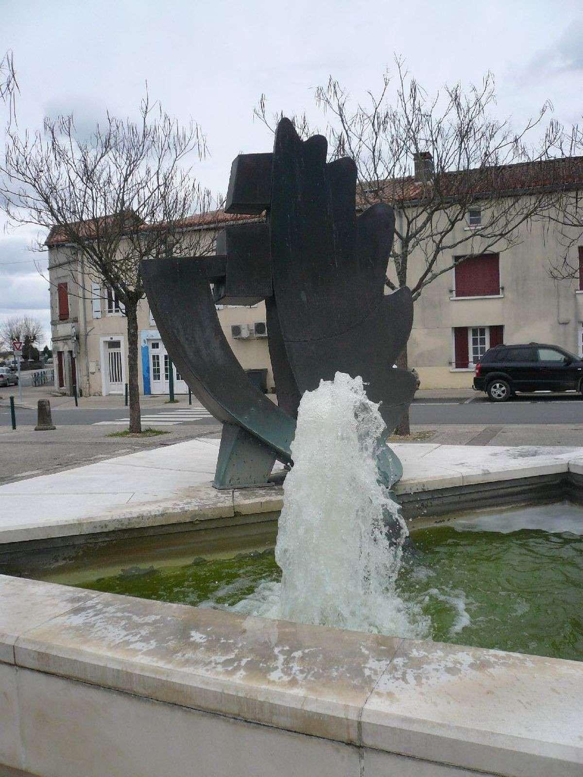 Sortie classe de 1ère S Lycée de Fouesnant à Chasseneuil sur Bonnieure (16) et Village martyr Oradour/Glane (87) 317