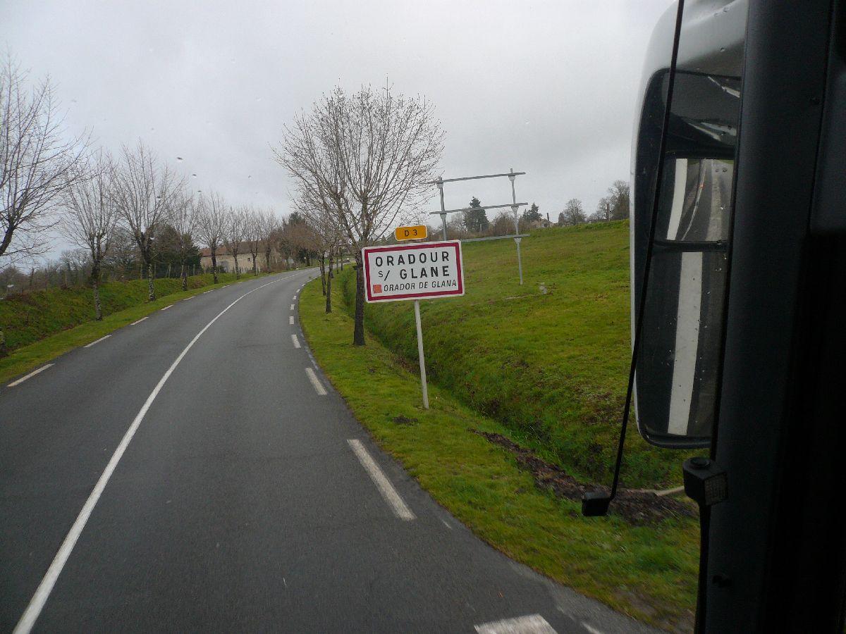 Sortie classe de 1ère S Lycée de Fouesnant à Chasseneuil sur Bonnieure (16) et Village martyr Oradour/Glane (87) 33_le_10