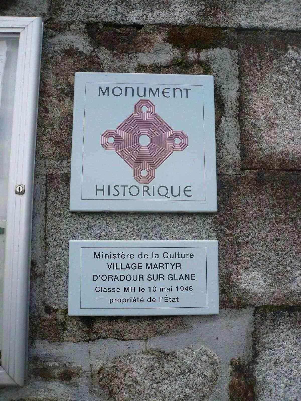 Sortie classe de 1ère S Lycée de Fouesnant à Chasseneuil sur Bonnieure (16) et Village martyr Oradour/Glane (87) 4111