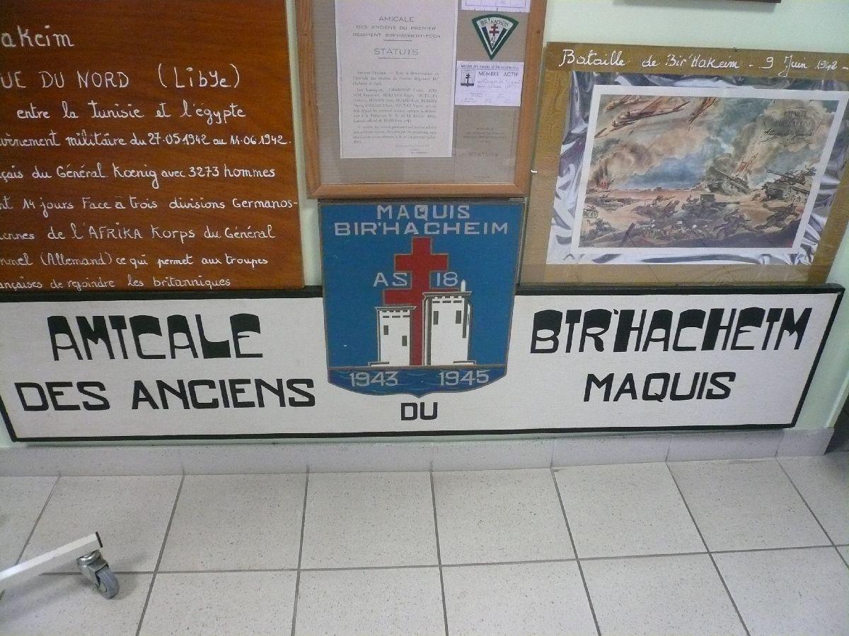 Sortie classe de 1ère S Lycée de Fouesnant à Chasseneuil sur Bonnieure (16) et Village martyr Oradour/Glane (87) 4_musa10