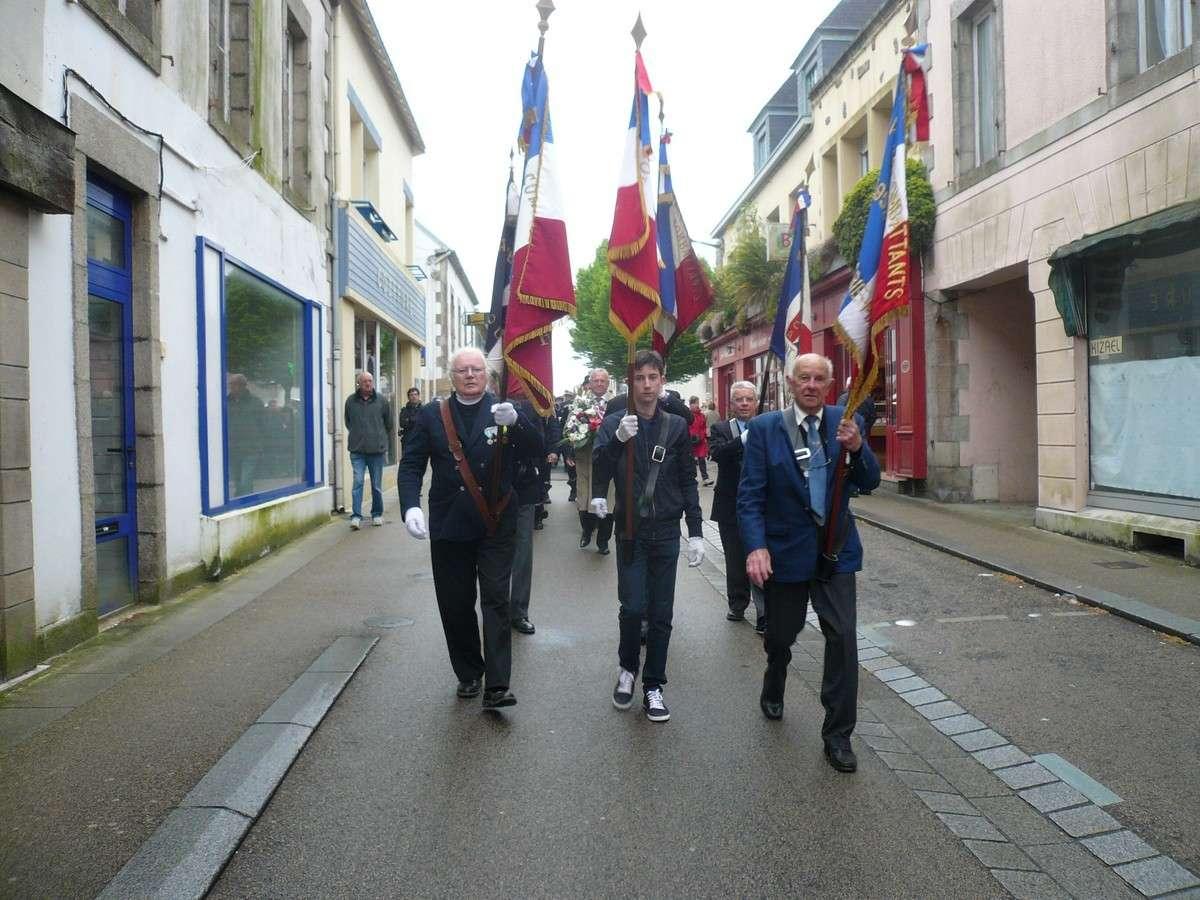 [ Histoires et histoire ] Commémoration du 8 mai 1945 à Fouesnant 513