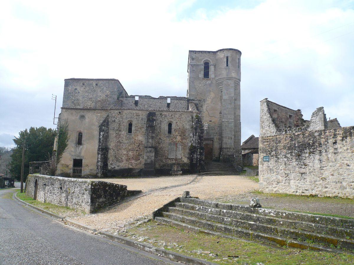 Sortie classe de 1ère S Lycée de Fouesnant à Chasseneuil sur Bonnieure (16) et Village martyr Oradour/Glane (87) 5511