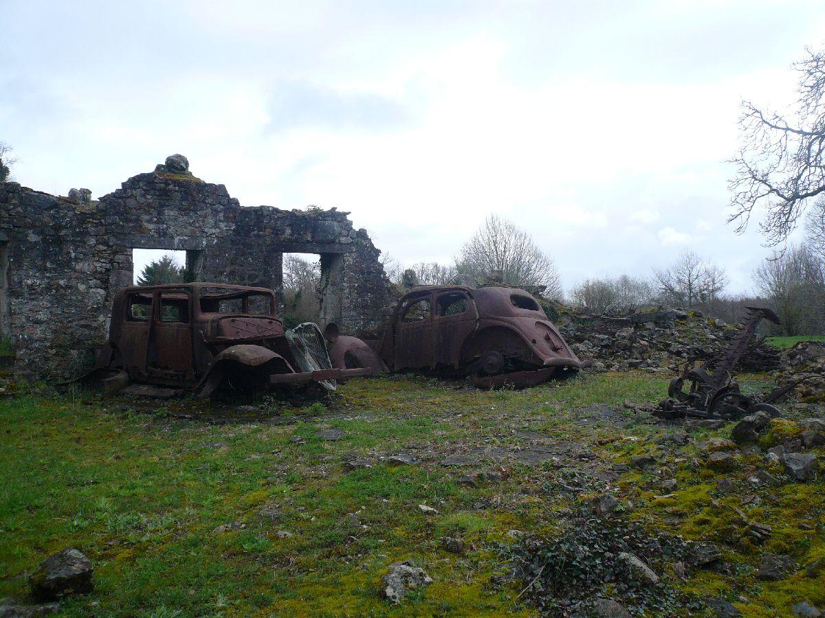 Sortie classe de 1ère S Lycée de Fouesnant à Chasseneuil sur Bonnieure (16) et Village martyr Oradour/Glane (87) 6211