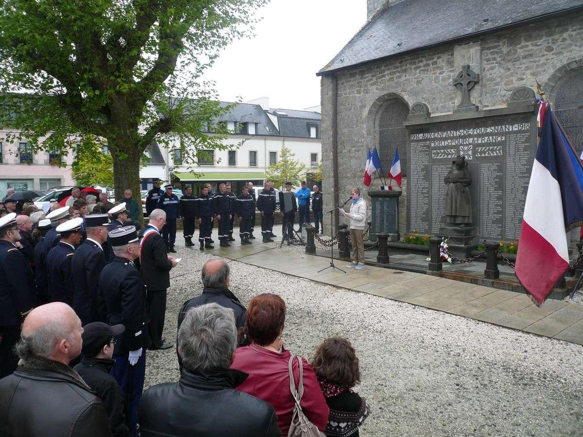 [HISTOIRES ET HISTOIRE] Commémoration du 8 mai 1945 à Fouesnant 712