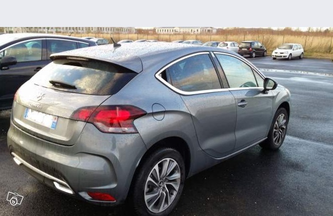 DS4 THP 155 BMP6 : 14900 euros Ds4x210
