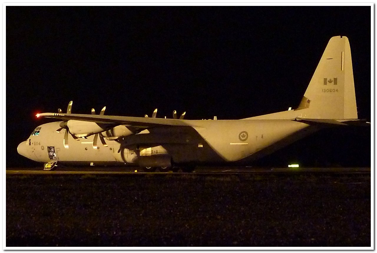 [14-15/11/2013] Lookheed Hercules C130J (130604) Canada Air Force P1100610