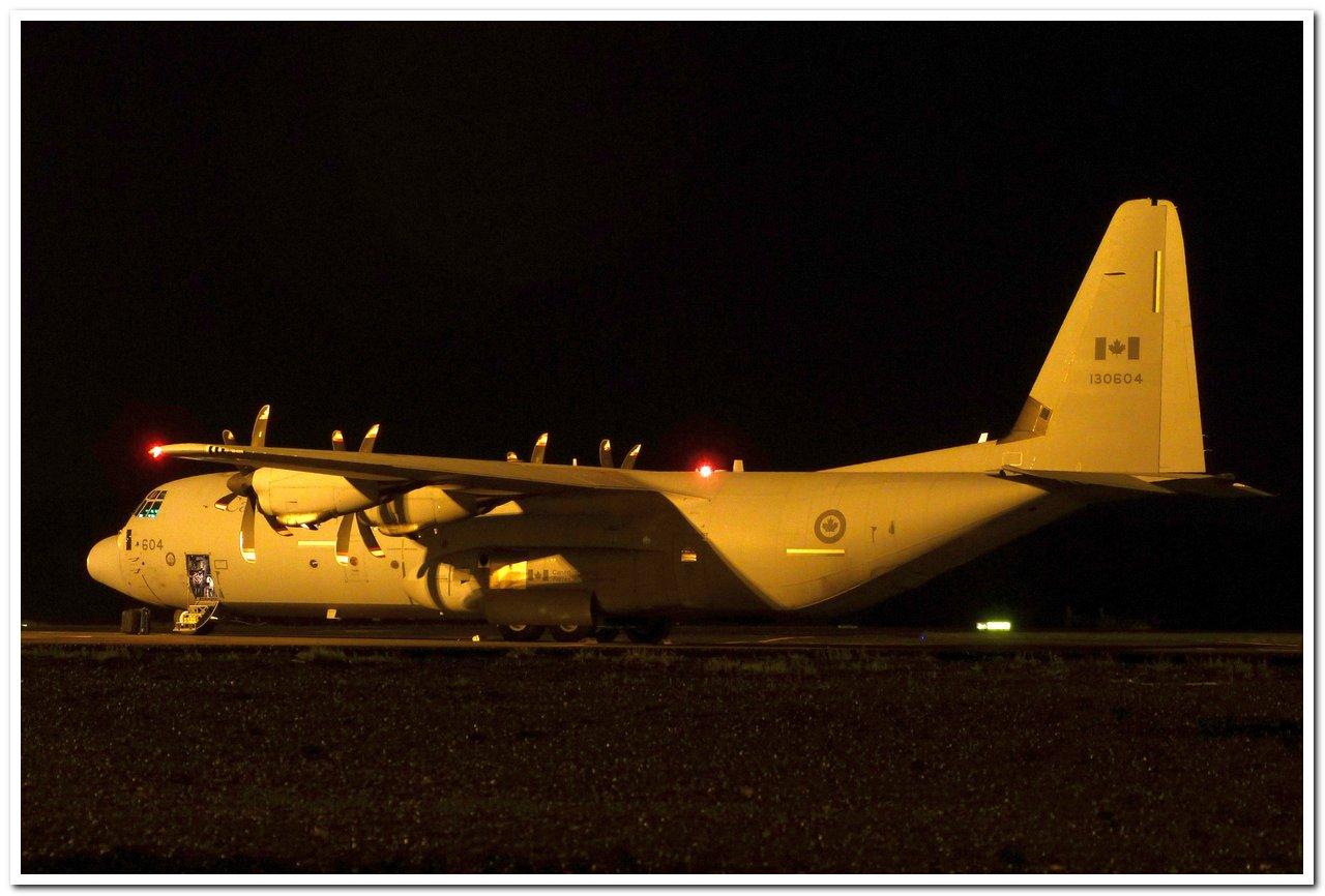 [14-15/11/2013] Lookheed Hercules C130J (130604) Canada Air Force P1100611