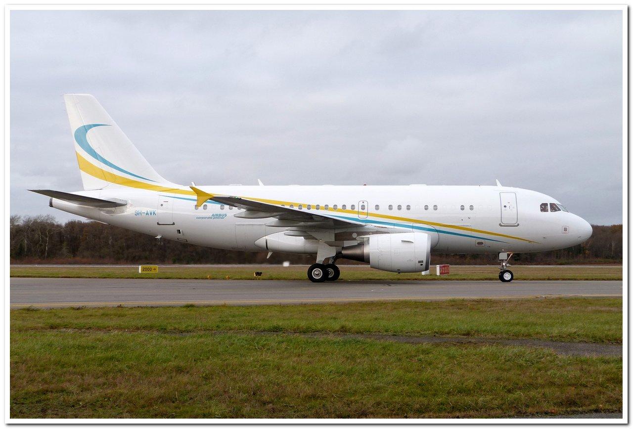 [21/12/2013] A319CJ (9H-AVK) Comlux    P1100911