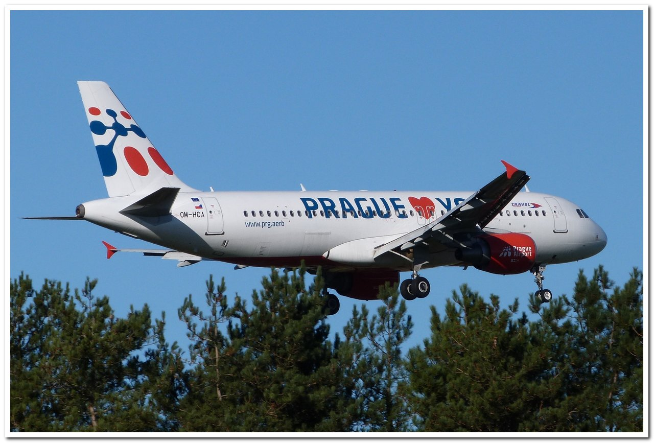 "[22/12/2013] A320 (OM-HCA) Travel Services Slovakia ""Prague loves You"" c/s P1100912"