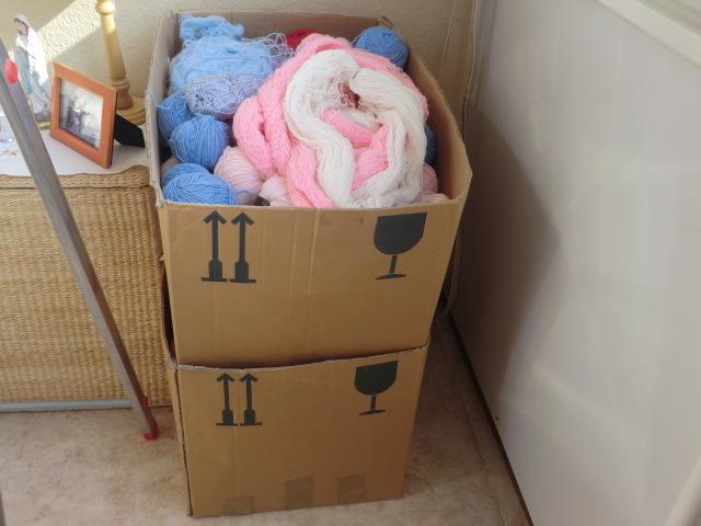 Collecte de laine pour tricotage de manteaux par la maman de Déborah - Page 7 Cimg8616