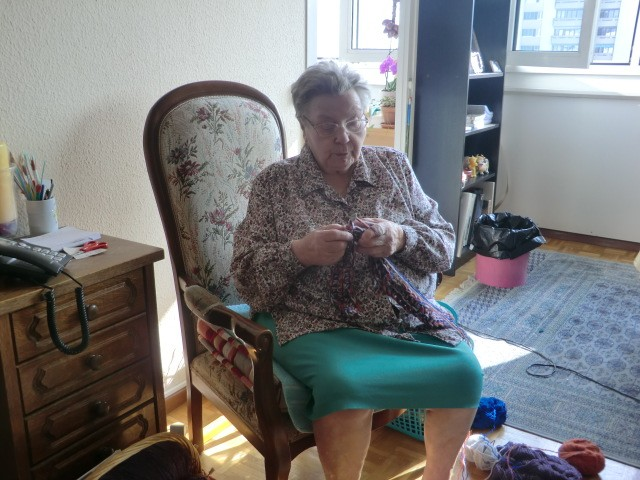 Collecte de laine pour tricotage de manteaux par la maman de Déborah - Page 7 Cimg8617