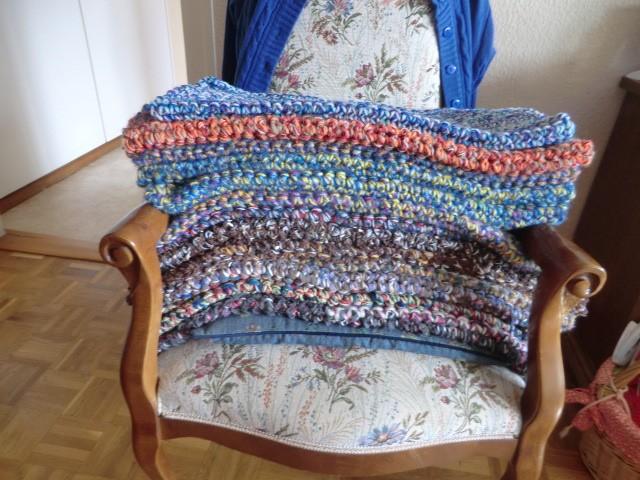 Collecte de laine pour tricotage de manteaux par la maman de Déborah - Page 7 Cimg8618