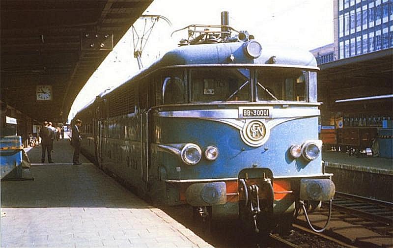 Matériel tracté SNCB sur Paris Bruxelles entre 1952 et 1962 Bb300010