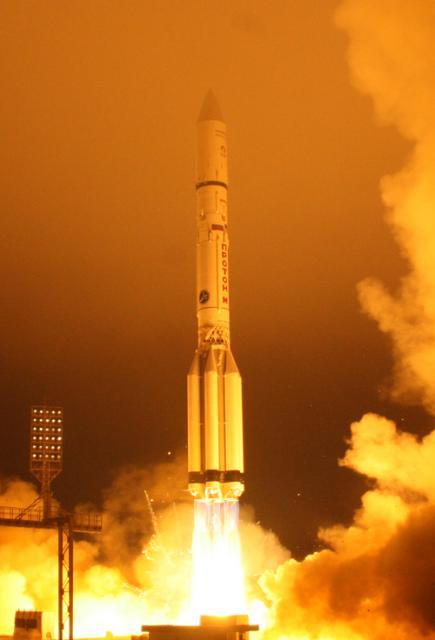 Lancement Proton-M / Inmarsat 5 F-1 - 8 décembre 2013 Offici10