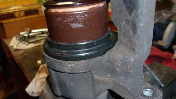 TUTO Échange kit piston sur étrier avant 1113