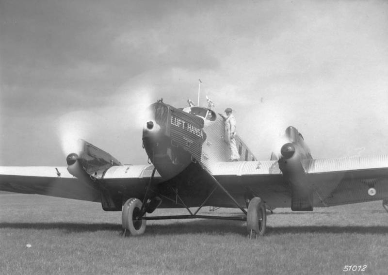 Junkers G.23/G.24  (1:72 - VEB Plasticart) G24_vv11