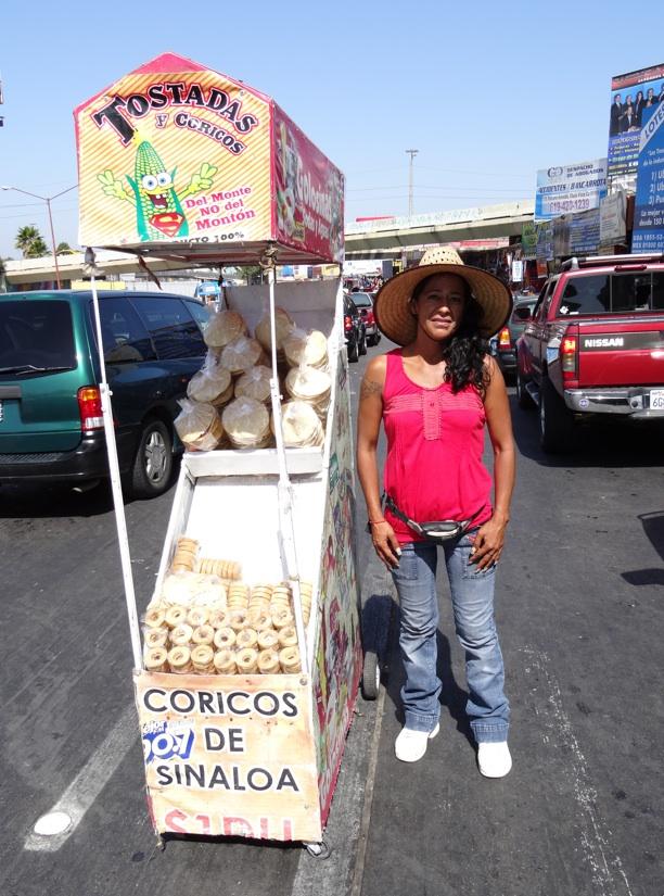La garita internacional de San Isidro (Tijuana): Los personajes de la linea fronteriza 2013-110