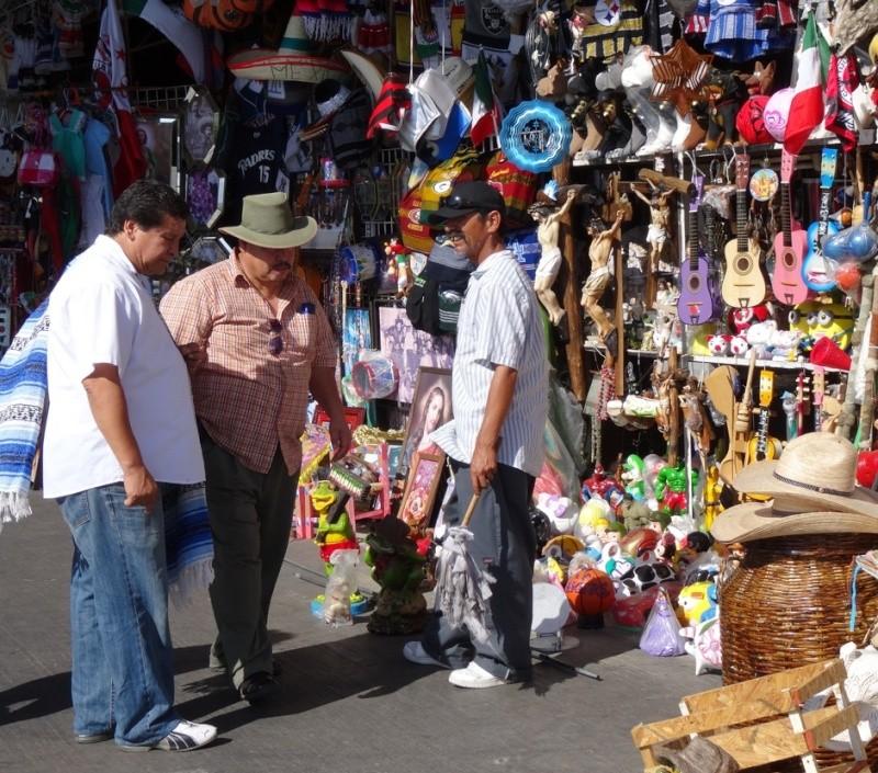 La garita internacional de San Isidro (Tijuana): Los personajes de la linea fronteriza 2013-113
