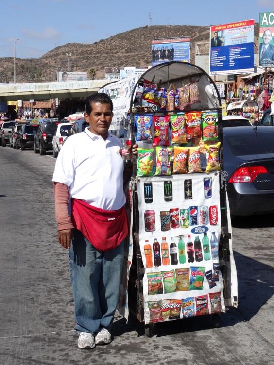 La garita internacional de San Isidro (Tijuana): Los personajes de la linea fronteriza 2013-127