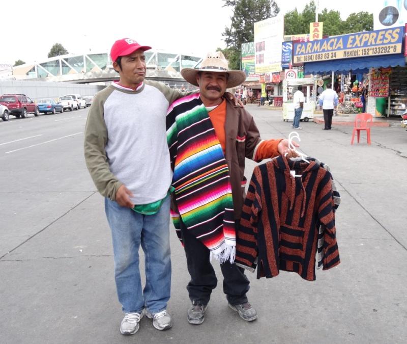 La garita internacional de San Isidro (Tijuana): Los personajes de la linea fronteriza 2013-130