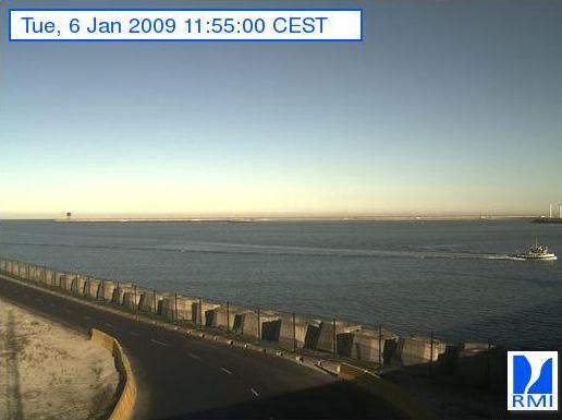 Photos en direct du port de Zeebrugge (webcam) - Page 6 Zeebru10