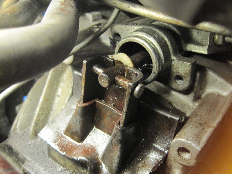 cylindre recepteur d'embrayage v6 turbo Img_6710
