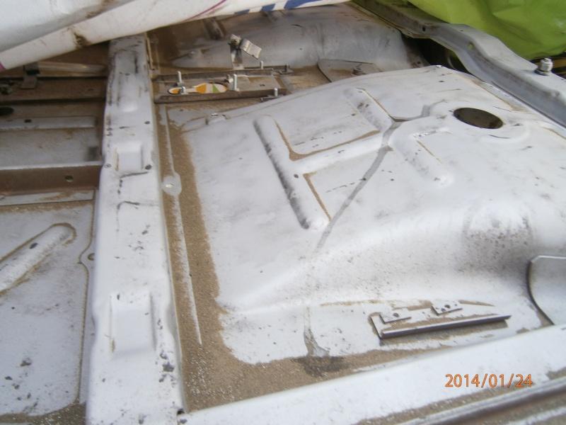 Restauration de la caravelle 1100S de juju - Page 2 P1240011