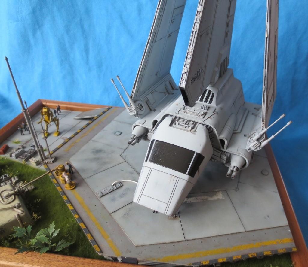 STAR WARS : Plateforme d'atterrissage pour Navette Lambda - Page 3 110