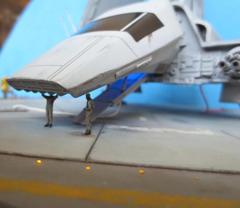 STAR WARS : Plateforme d'atterrissage pour Navette Lambda - Page 3 410