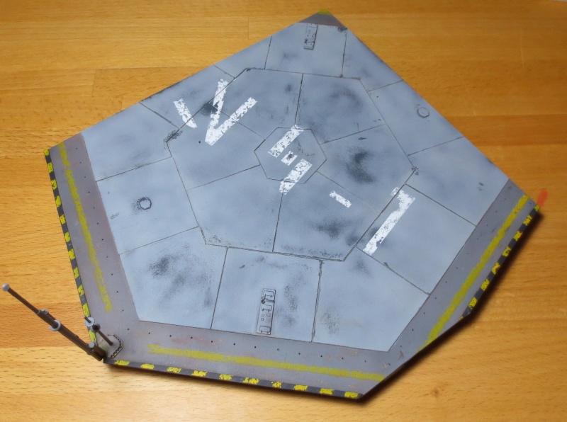 STAR WARS : Plateforme d'atterrissage pour Navette Lambda Img_1510